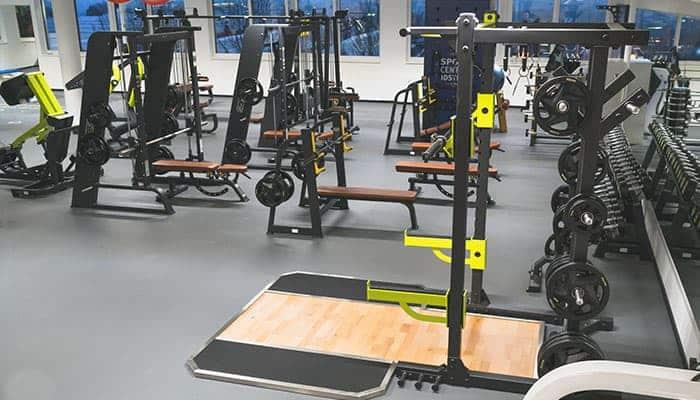 premium-sportcenter-idstein-freihantel-trainingsflaeche